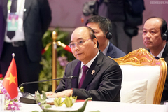 PM calls for upholding international law in East Sea at ASEAN-China Summit