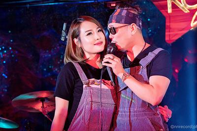 Bà xã đòi hôn, tiết lộ yêu Jimmi Nguyễn từ năm 13 tuổi