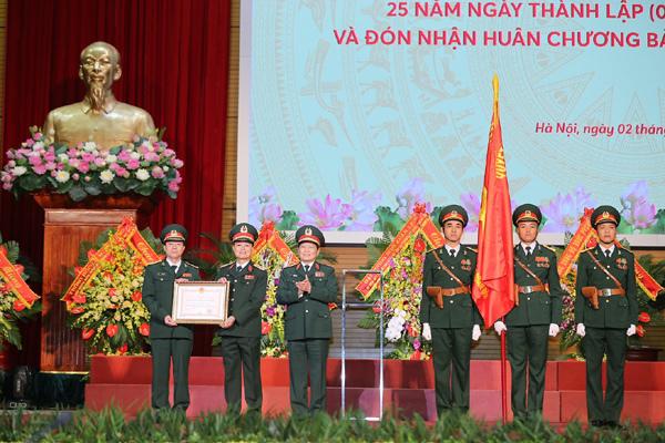 MB nhận Huân chương Bảo vệ Tổ quốc hạng Nhất