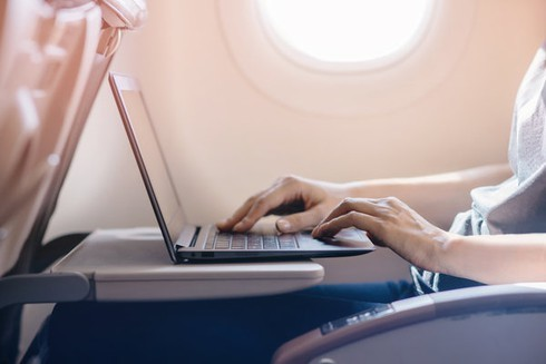 Vietnam's aviation authority allows 15-inch Macbook Pro onboard