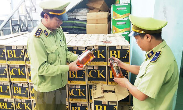 Quang Binh busts biggest liquor smuggling case