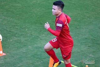 Quang Hải chi viện giúp U22 thắng tuyển Việt Nam