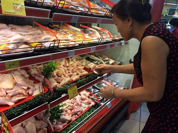 In Vietnam, imported chicken not main cause of lower priced domestic products