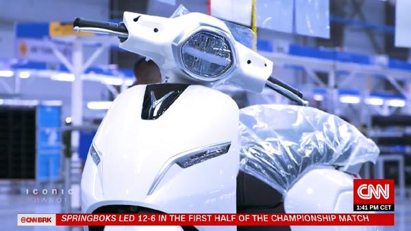 Xe máy điện VinFast 'chiếm sóng' truyền hình Mỹ