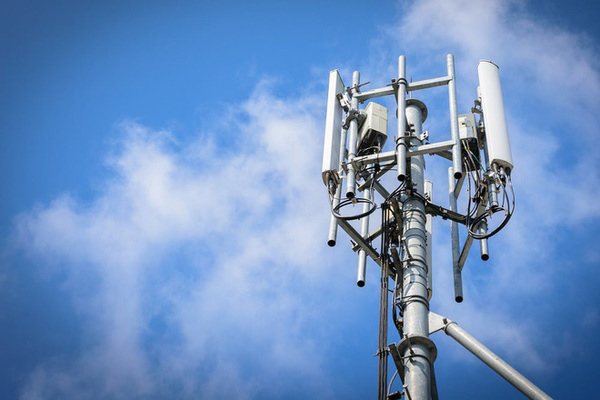 Vingroup vows to manufacture 5G telecom equipment