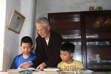 Người 'giữ lửa' phong trào đọc sách nơi làng quê