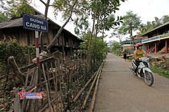 Xây dựng NTM: Những con đường bê tông nối dài khắp miền quê