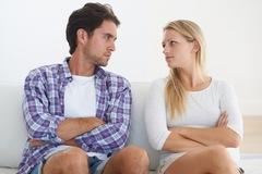 Thú nhận đồng tính sau 6 năm kết hôn, chồng bị vợ kiện đòi hơn chục tỷ