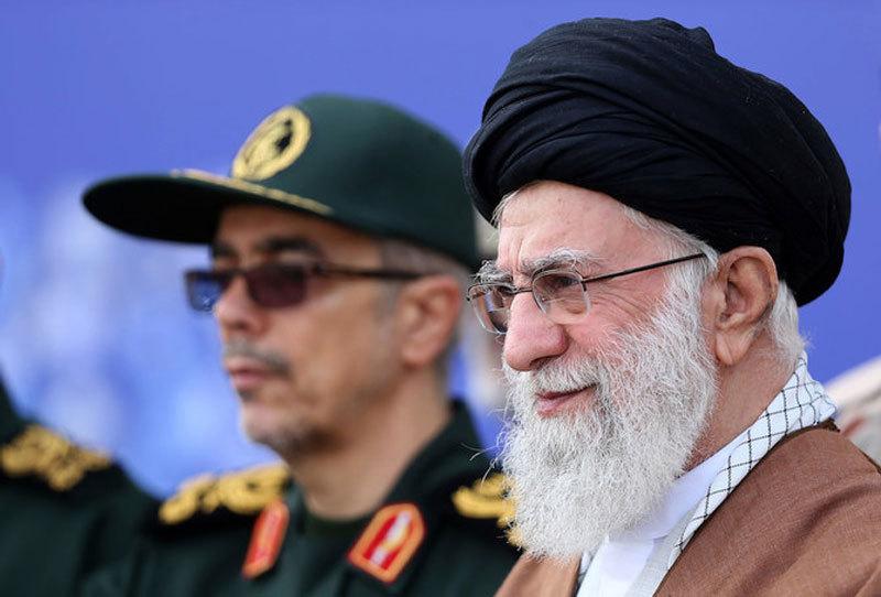 Ông Trump lại giáng đòn trừng phạt Iran, liệt 9 người vào danh sách đen