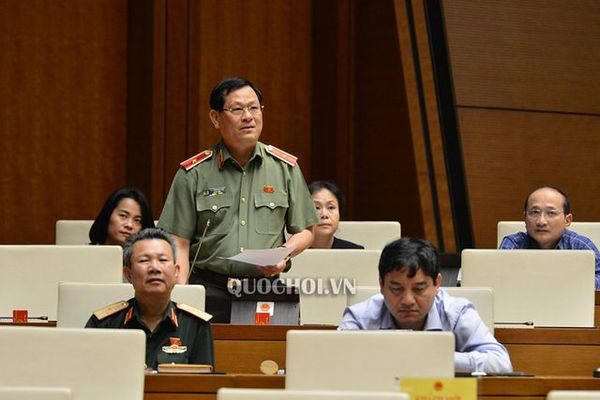 Nghe An police arrest eight people over Essex lorry deaths