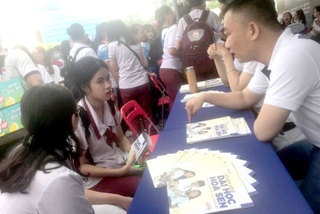 HCM City high schools begin to take career counselling seriously