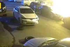 Động cơ 'ngã ngửa' của người đàn ông đốt cháy một loạt ô tô