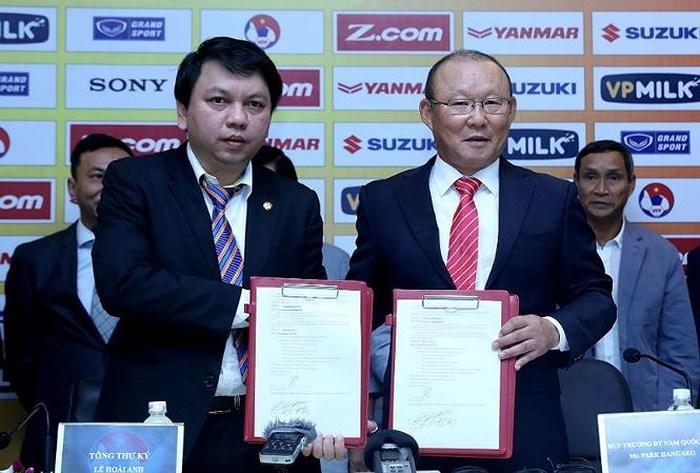 HLV Park Hang Seo dẫn dắt tuyển Việt Nam thêm 3 năm