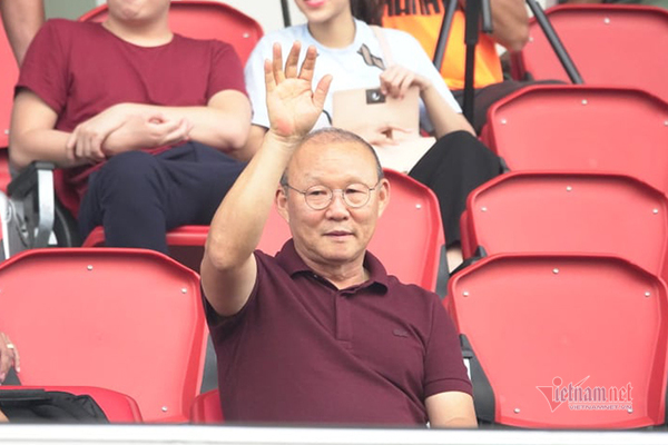V-League trở lại, thầy Park căng với 'KPI' cho tuyển Việt Nam
