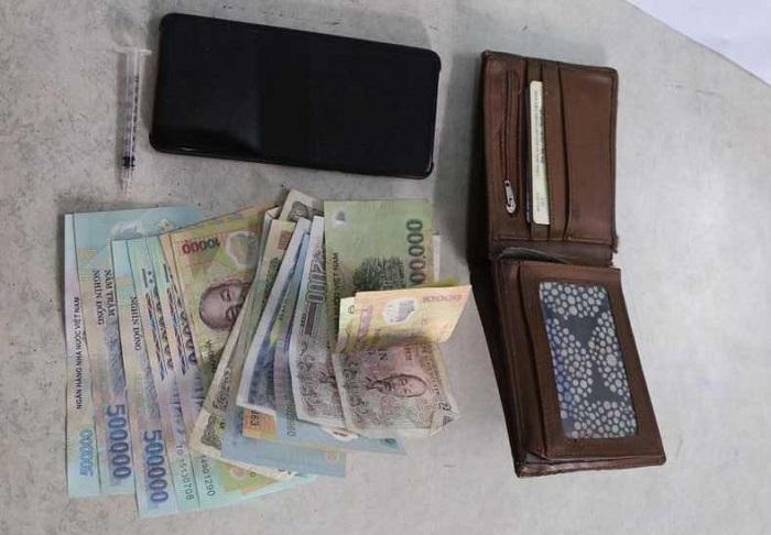 Con nghiện mang theo kim tiêm đột nhập nhà dân trộm tài sản