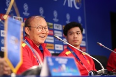 Báo Hàn: Ký hợp đồng rồi, thầy Park 'tặng quà' tuyển Việt Nam thôi