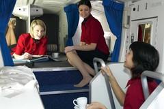 Chỗ ngủ bí mật của tiếp viên trên máy bay