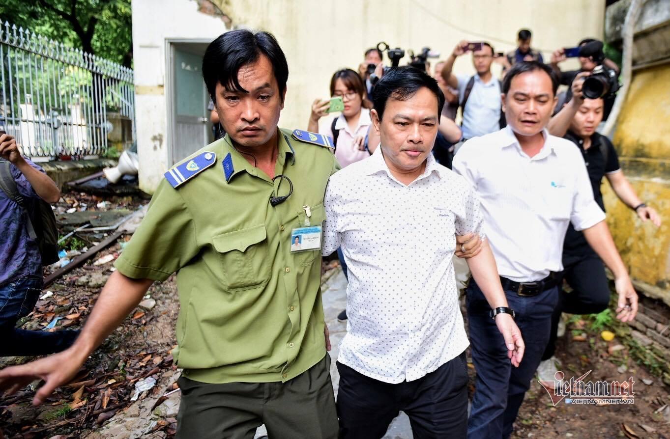 Cựu Viện phó Nguyễn Hữu Linh tiếp tục ra tòa sau khi kêu oan