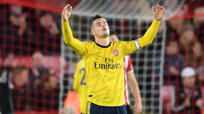 Xhaka bị giáng chức, Aubameyang lên làm đội trưởng Arsenal