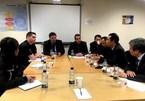 Vietnamese Deputy FM works in UK over lorry deaths