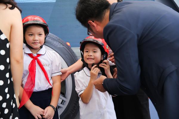 sản phẩm lốp,kiểm tra xe
