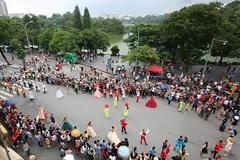 26 embassies hold cultural events in Hoan Kiem pedestrian zone in 3 years