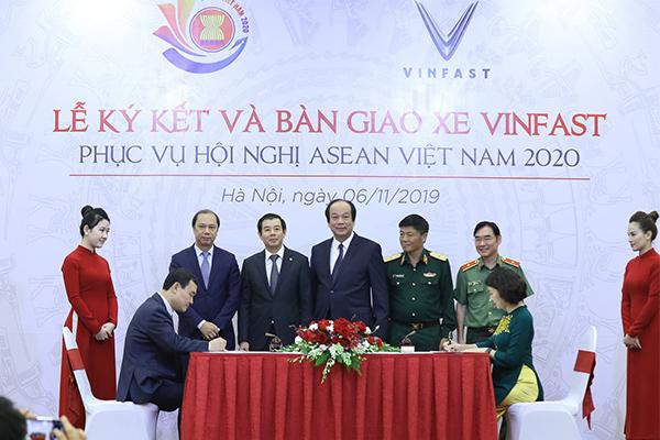 Bộ trưởng Mai Tiến Dũng,xe Vinfast,Asean 2020