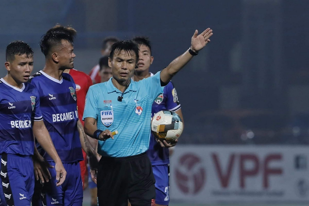 V-League,VPF,VFF,Văn Quyết,Quang Hải