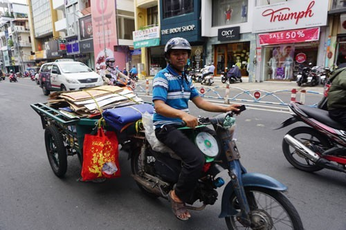 air pollution,outdated motorbikes,urbanization,Vietnam environment