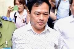 Nguyễn Hữu Linh nói về bàn tay trái, tay phải khi hôn bé gái trong thang máy