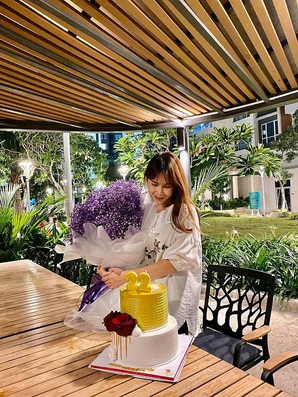Quy định đặc biệt trong cưới Giang Hồng Ngọc và chồng doanh nhân