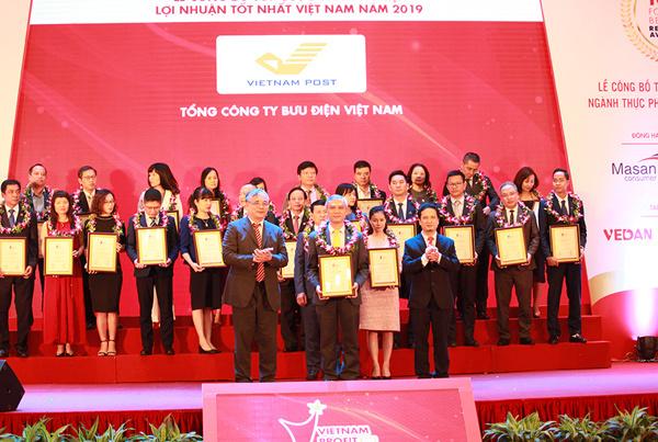 Bưu điện Việt Nam dẫn đầu Top 500 VNR ngành bưu chính chuyển phát