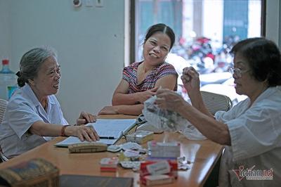 Bác sĩ 20 năm lấy lương hưu mở phòng khám miễn phí
