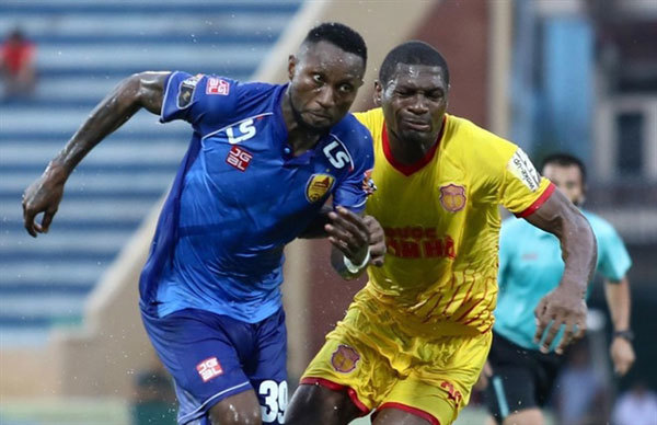 Nigerian-born striker Samson signs two year contract with Thanh Hoa