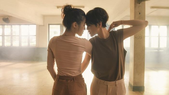 Vũ Cát Tường diễn yêu mùi mẫn vũ công Thu Trang