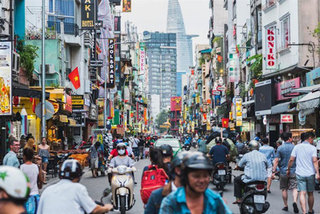 Foreign insurers eye promising Vietnamese market