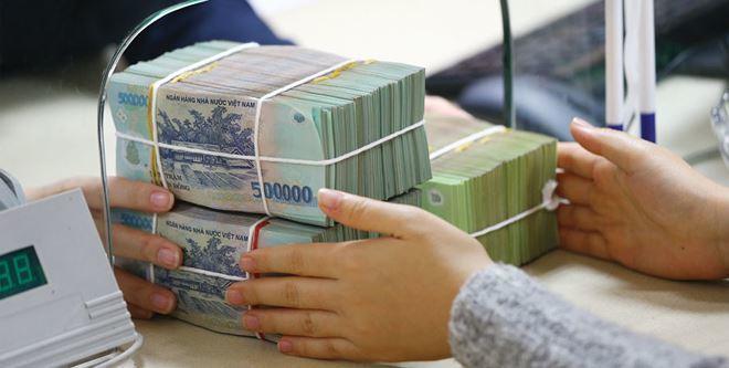 Lãi suất tăng hướng tới 10%, ôm tiền tỷ chọn ngân hàng ăn lãi