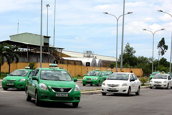 Light boxes may no longer be mandatory for ride-hailing vehicles in Vietnam