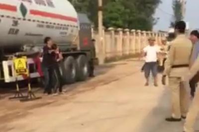 Thanh niên nghi ngáo đá kề dao vào cổ 2 tài xế ởThanh Hóa