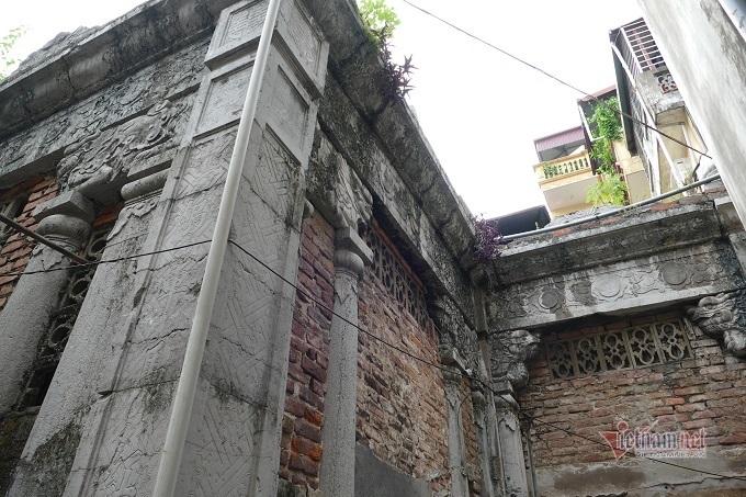 Chục gia đình sống trong ngôi mộ cổ, chuyện rợn tóc gáy giữa lòng thủ đô Ki-la-lang-mo-co-giua-long-ha-noi-la-noi-o-cua-nhieu-ho-dan-3