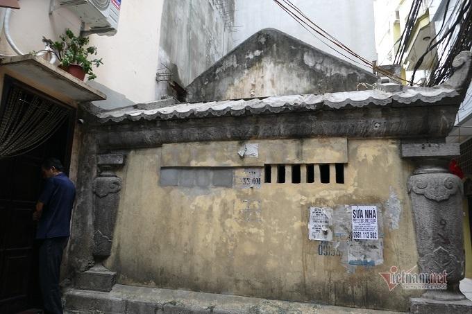 Chục gia đình sống trong ngôi mộ cổ, chuyện rợn tóc gáy giữa lòng thủ đô Ki-la-lang-mo-co-giua-long-ha-noi-la-noi-o-cua-nhieu-ho-dan-7