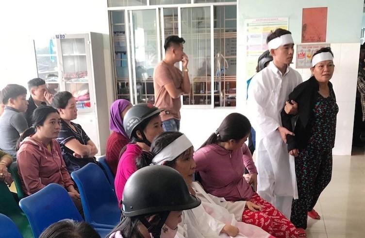 Thanh niên sốt 39 độ đột tử, người nhà mặc áo tang kéo đến viện