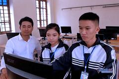Hai học sinh sáng tạo phần mềm vào điểm bằng giọng nói