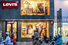 Phố thời trang từ cao cấp đến hàng nhái ở trung tâm TP.HCM
