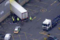 Gia đình ở Hải Phòng suy sụp khi người thân chết trong container ở Anh