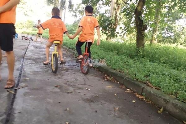Theo khóa học xiếc tại Tâm Việt, trẻ suýt chấn thương sọ não, sốt nằm co ro không ai chăm