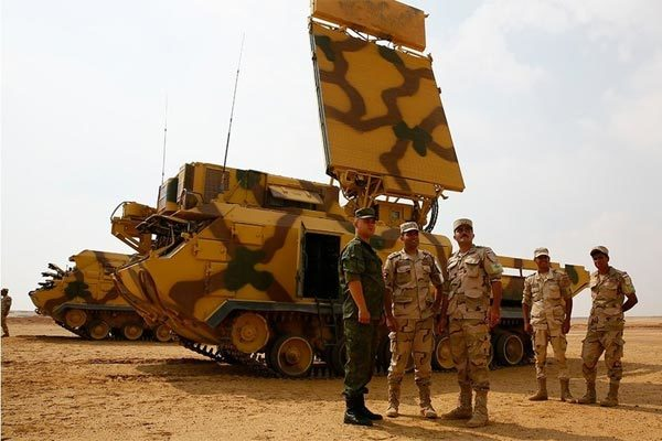 Xem lính Nga, Ai Cập nã tên lửa bắn hạ máy bay Mỹ, Anh