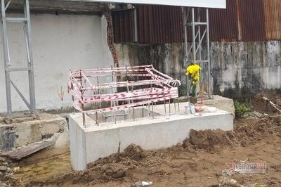 Thi thể sơ sinh bọc nilon vứt trong đống cát công trình ở Sài Gòn