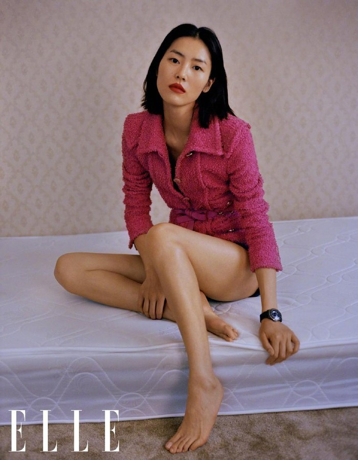 Siêu mẫu đắt giá nhất châu Á bán nude trên bìa tạp chí nổi tiếng