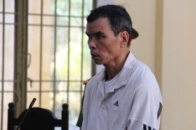 Kẻ đâm 2 người hàng xóm trọng thương khi bị nhắc chạy xe ẩu lãnh 10 năm tù